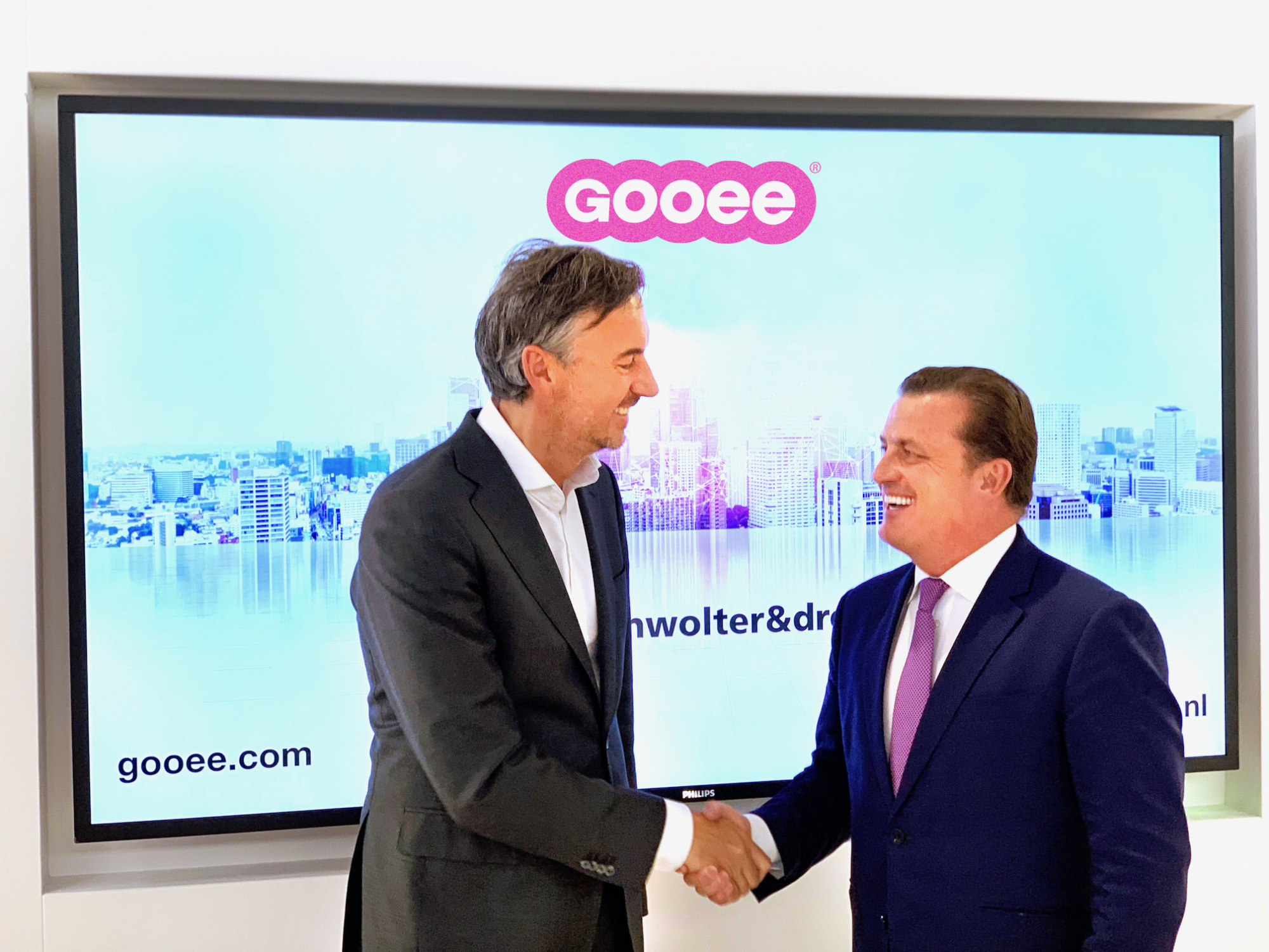Bas Ambachtsheer, President at Croonwolter&dros and Andrew Johnson, Gooee CEO met at the Building Holland exhibition.
