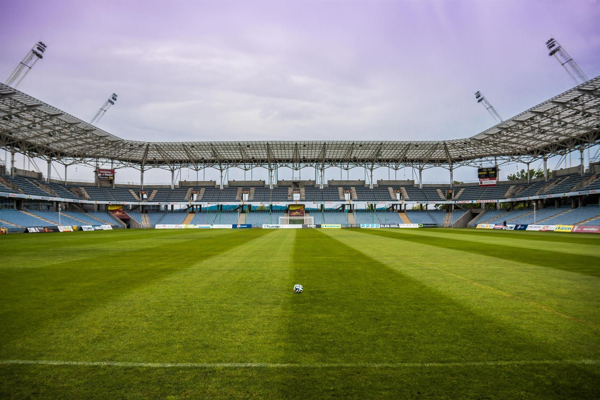 Managing Virus Risks for Live Sports in Stadia