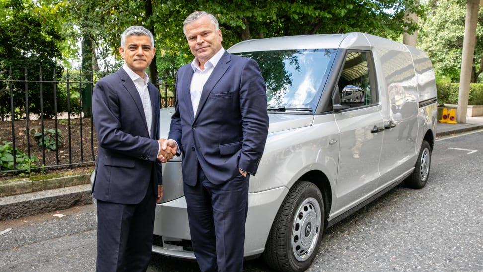 London Electric Vehicle Company CEO Joerg Hofmann with London Mayor Sadiq Khan and the van based on the electric black cab