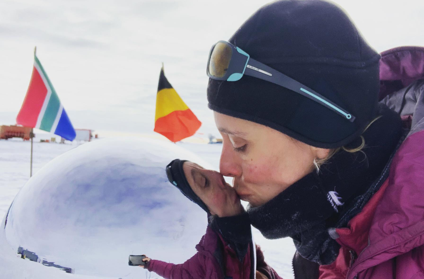 Wendy Searle reaches the South Pole