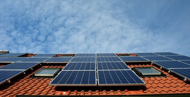Mitie and Essex Council Cut Schools' Carbon with Solar