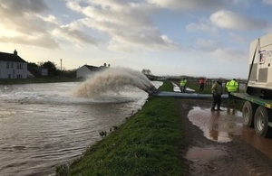Environment Agency teams operating high volume pumps on Currymoor
